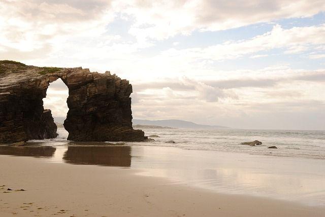 Galicia-playa-catedrales