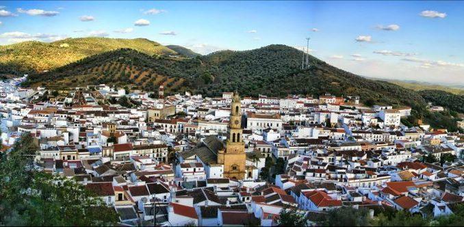 Constantina, pueblo del parque natural de la sierra morena de Sevilla