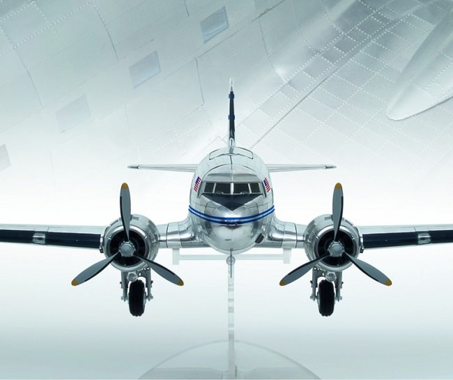 avion Douglas DC-3