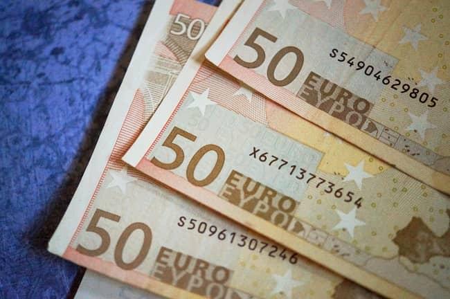 banknotes de préstamo a plazos