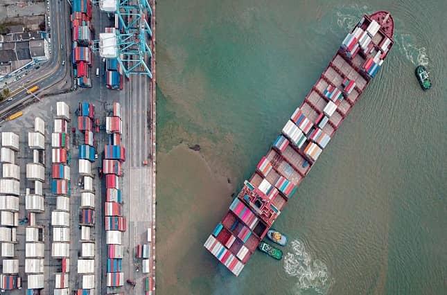 buque bloqueo canal de suez